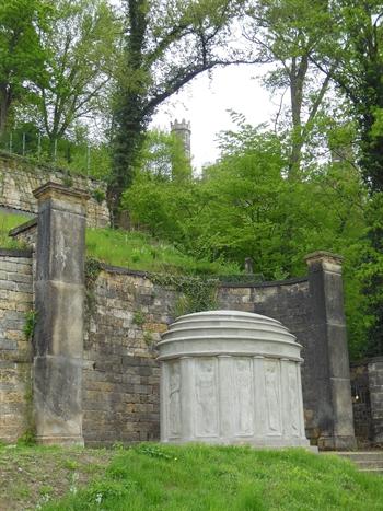Mausoleum Lingner_Poelzig.jpg