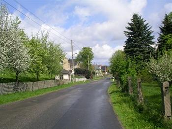 Borlas-Oberdorf-Hauptstraße.JPG